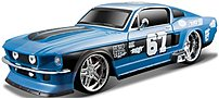 Remote control vehicle enthusiasts and collectors alike will enjoy the authentic styling and fast RC control of the 090159810612 Maisto RC 1967 Ford Mustang